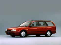 Nissan Avenir wheels and tires specs icon