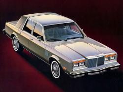 Chrysler Fifth Avenue M-body Saloon