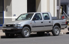 Chevrolet LUV wheels and tires specs icon