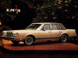 Lincoln Town Car wheels and tires specs icon