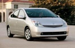 FAW Toyota Priusのホイールとタイヤスペックアイコン