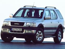 Opel Frontera B Closed Off-Road Vehicle