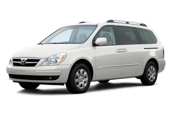 Hyundai Entourage I MPV