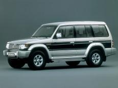 Mitsubishi Montero V20 Closed Off-Road Vehicle