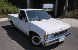 Nissan Datsun wheels and tires specs icon