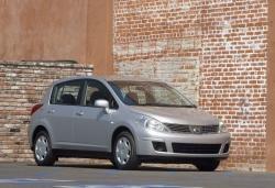 Nissan Versa I Hatchback