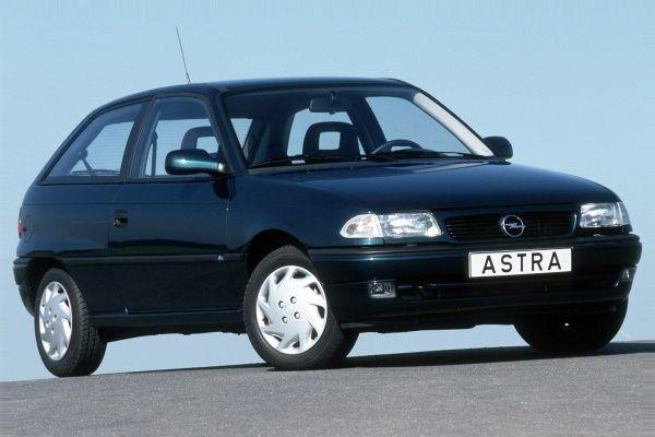 Opel Astra I F (T92) Hatchback