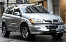 SsangYong Kyron I Closed Off-Road Vehicle