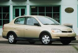 Toyota Echo Saloon