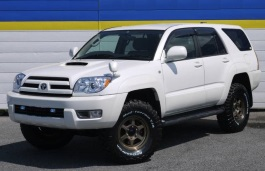 Toyota Hilux Surf IV Restyling Closed Off-Road Vehicle
