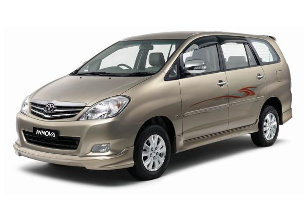 Toyota Kijang Innova AN40 Facelift MPV