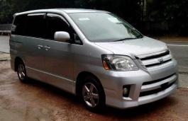 Toyota Noah I Facelift (R60) MPV