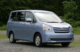 Toyota Noah II (R70) MPV