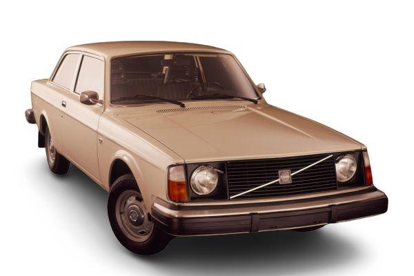 Volvo 240 I (242) Saloon