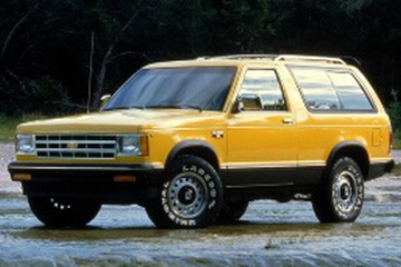 Chevrolet S10 Blazer Closed Off-Road Vehicle