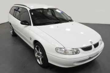 Holden Commodore III (VT) Универсал