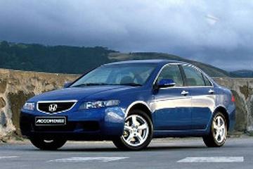 Honda Accord Euro CL9.I Седан