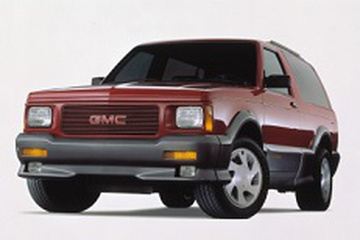 GMC Typhoon GMT300 Closed Off-Road Vehicle