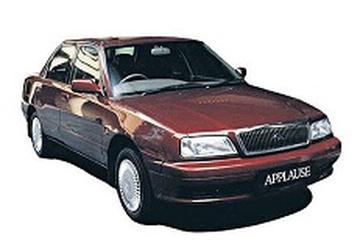 Daihatsu Applause A110 Седан