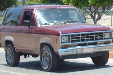 Ford Bronco II I Closed Off-Road Vehicle