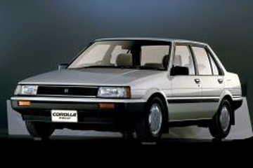 Toyota Corolla V (E80) Седан